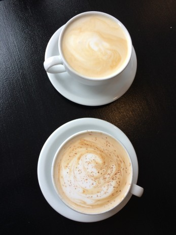 caffeinery_2lattes