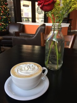 caffeinery_beehive-latte-with-flowers